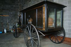 Horse_drawn_hearse